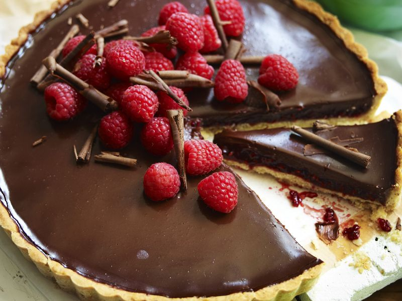 tart od cokolade sa malinama